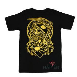 Mặt sau Áo thun OverDose Thái Lan màu đen in hình nữ tử thần nhũ vàng T0108