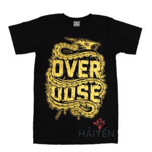 Áo thun OverDose Thái Lan màu đen in con rồng cuộn quanh chữ OverDose nhũ vàng T0101