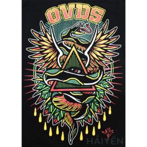 Logo Áo thun OverDose Thái Lan màu đen in hình con rắn quấn hình tam giác có cánh T0078