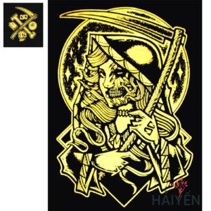 Logo Áo thun OverDose Thái Lan màu đen in hình nữ tử thần cầm lưỡi hái nhũ vàng T0108