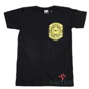 Áo thun OverDose Thái Lan màu đen in logo tam giác vàng có mắt buồn trên ngực trái T0099