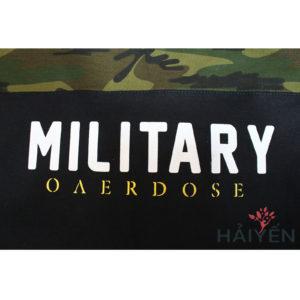 Dòng chữ Military in trên Áo thun OverDose Thái Lan màu đen phối nửa trên màu rằn ri lính T0059