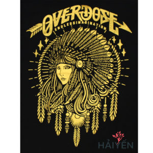 Logo Áo thun OverDose Thái Lan màu đen in cô gái dân tộc đội nón lông vũ nhũ vàng T0003