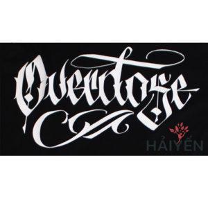 Logo Áo thun OverDose Thái Lan màu đen phối tay áo màu trắng in chữ OverDose Graffiti T0061