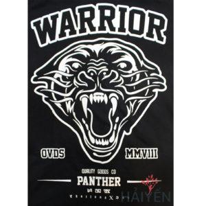 Logo Áo thun OverDose Thái Lan màu đen in chữ Warrior với mặt beo gầm màu trắng T0094
