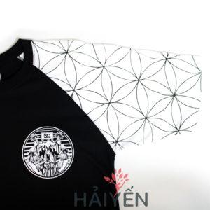 Tay áo trắng hoa văn hoa trên Áo thun OverDose Thái Lan màu đen T0058