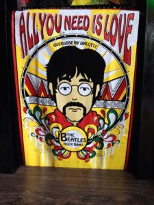 Áo thun Thái lan màu đen in 3D ông chú đeo kính với dòng chữ All You Need Is Love T0185