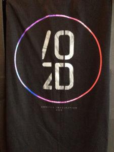Áo thun Thái lan màu đen in 3D chữ OD trong vòng tròn chuyển màu xanh hồng T0187