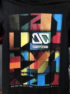 Áo thun Thái Lan màu đen in 3D logo OD trắng trên nền ô caro màu sắc ghép lại T0197