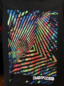 Áo thun Thái Lan in 3D tam giác ảo ảnh lồng ghép đỏ xanh T0198