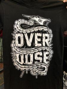Áo thun Thái Lan màu đen in 3D vòi bạch tuột cuộn chữ OverDose T0195