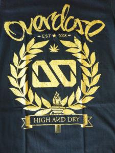 Logo Áo thun in 3D Thái Lan chữ Overdose nằm trên vòng nguyệt quế nhũ vàng T0221