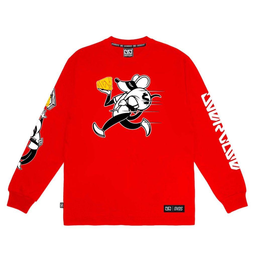 Áo thun tay dài màu đỏ in hình chú chuột cầm miếng phô mai chạy trốn TD001